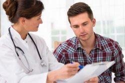 Обследование у врача при цистите